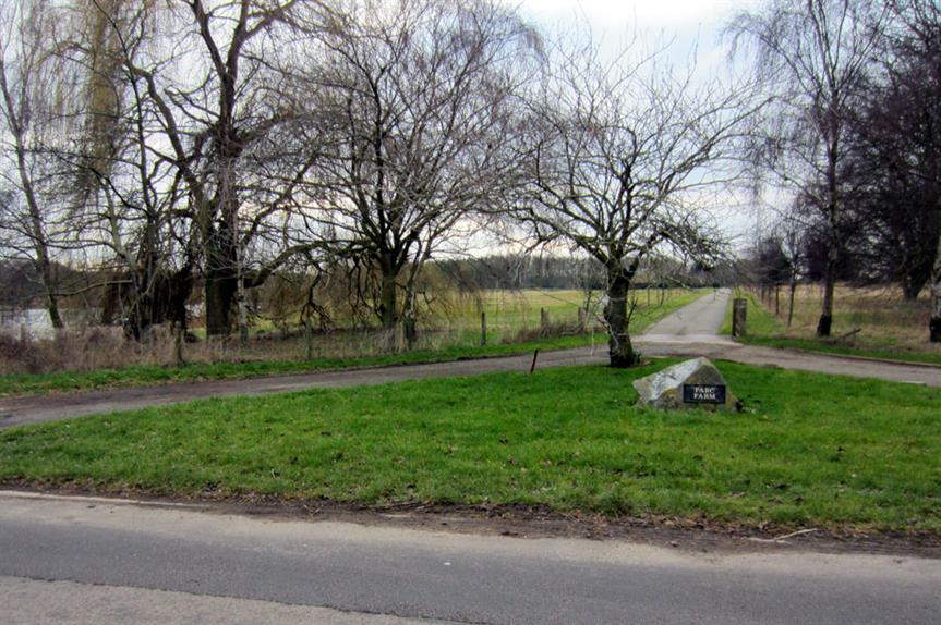 Land off Little Linford Lane (Pic: Philip Jeffrey via Geograph)