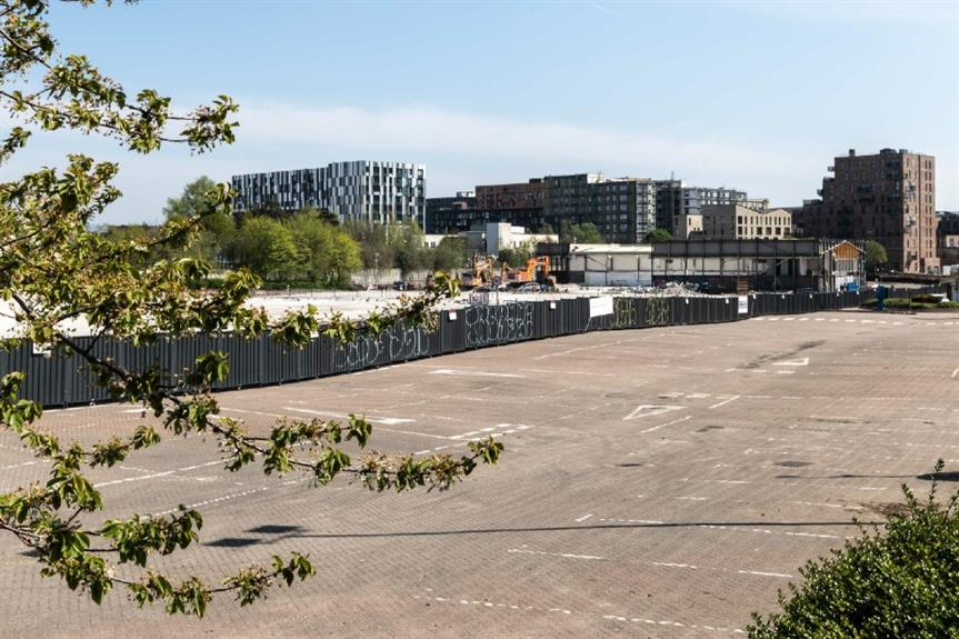 Site of the now demolished Central Retail Park - image: Peter-McDermott / geograph (CC BY-SA 2.0)