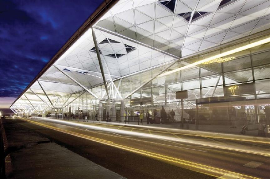 Stansted: local council approves expansion plan