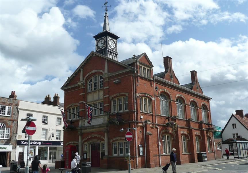 Thame Town Hall, Oxfordshire. Pic: Reading Tom, Flickr