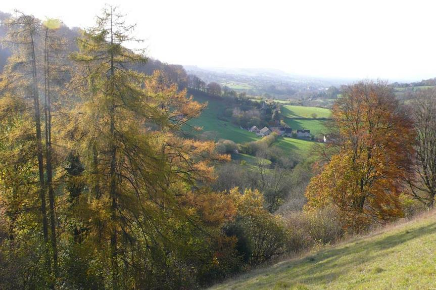 Slad Valley (picture by Smoobs, Flickr)
