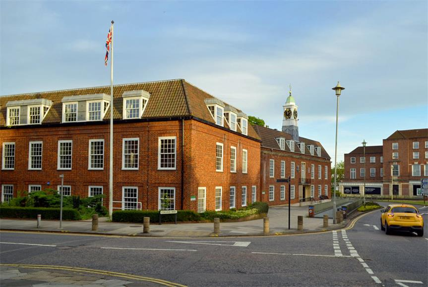 Welwyn Hatfield District Council offices. Image by Cmglee, Wikimedia