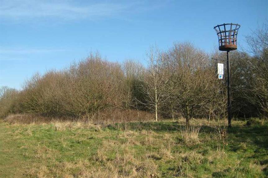 Woodcock Hill, Borehamwood (Photo © Nigel Cox (cc-by-sa/2.0)