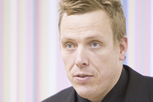 Dirk Mischendahl, director, Logistik