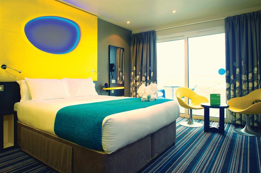 Bedroom at The Wave hotel in Bognor Regis