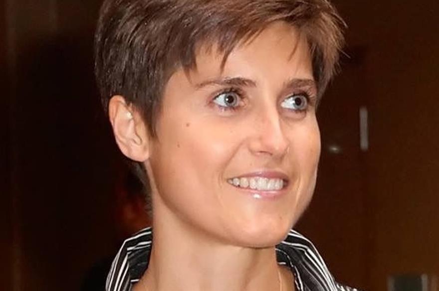 Laure McKay, Viparis