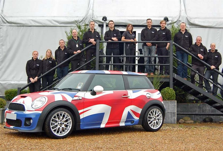 Mini selects Millbrook circuit for dealership event