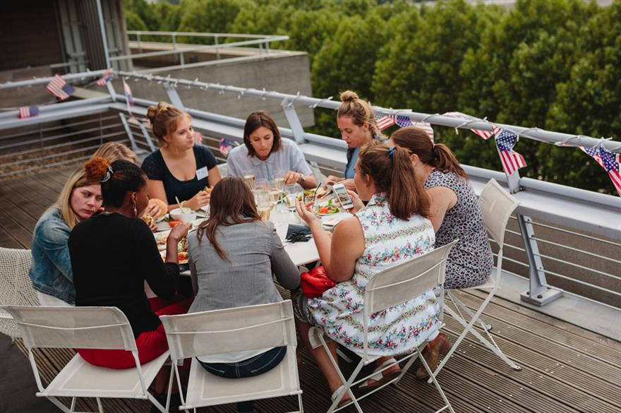 Kimpton hosts summer BBQ