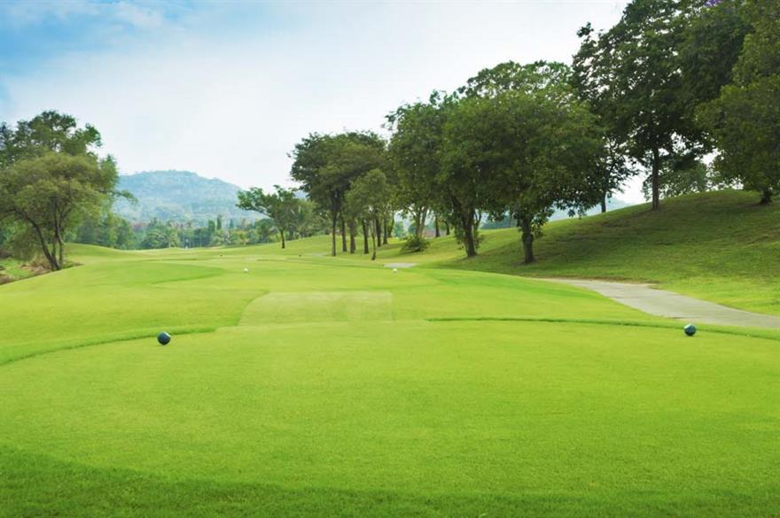 Ritz-Carlton plans first golf resort in China