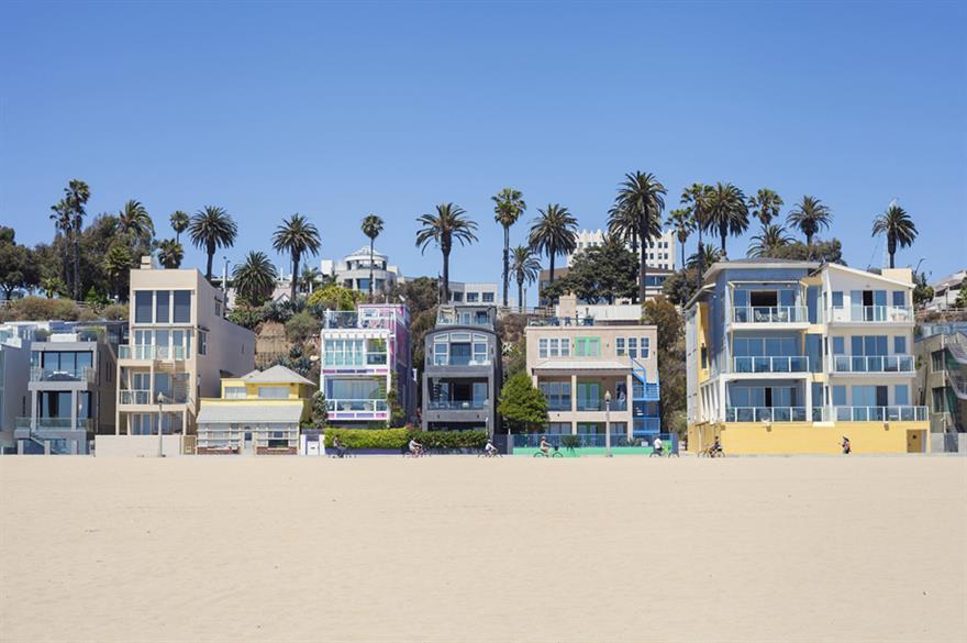 Santa Monica ©iStockPhoto.com