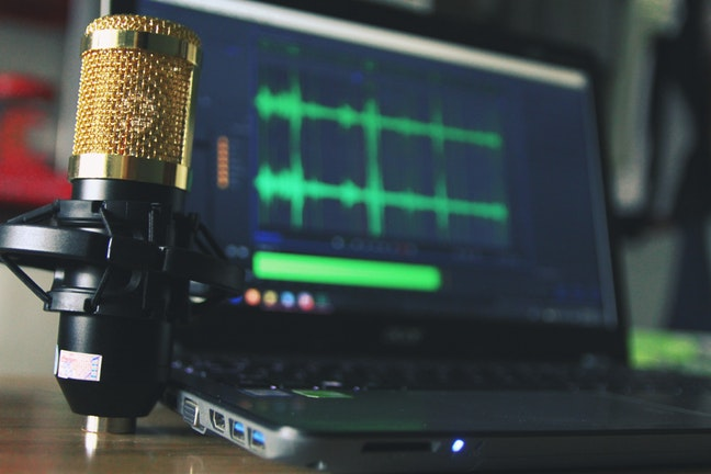 10 top business podcasts