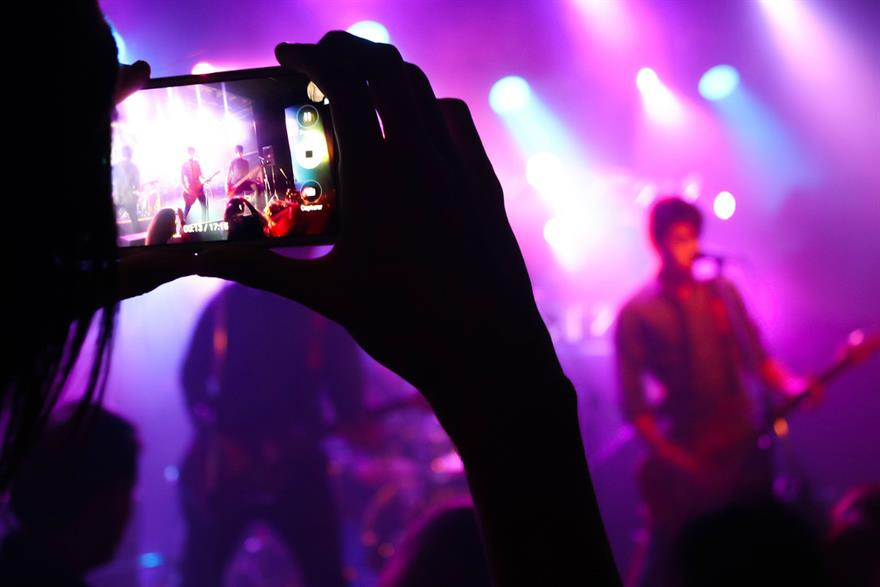Facebook Users Can Now Upload Songs In Videos