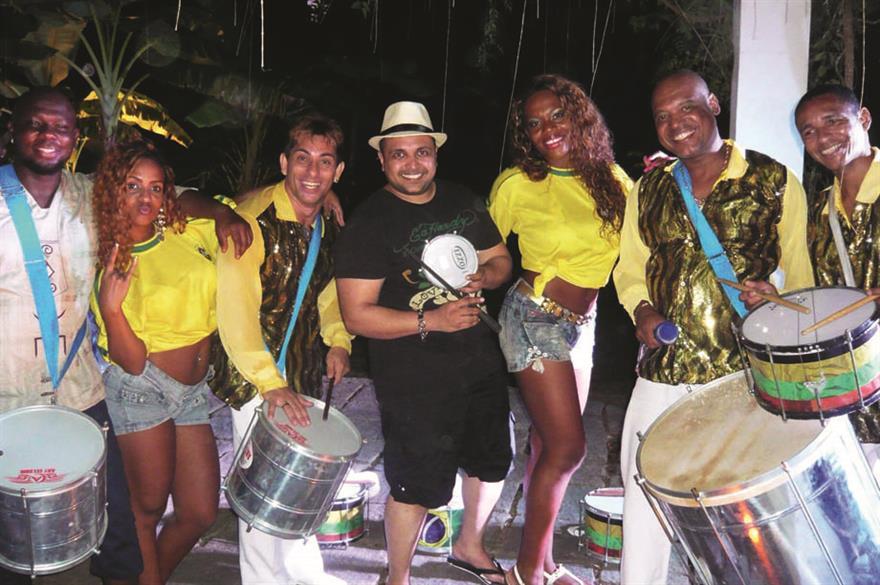 EE sales staff got a samba lesson in Rio