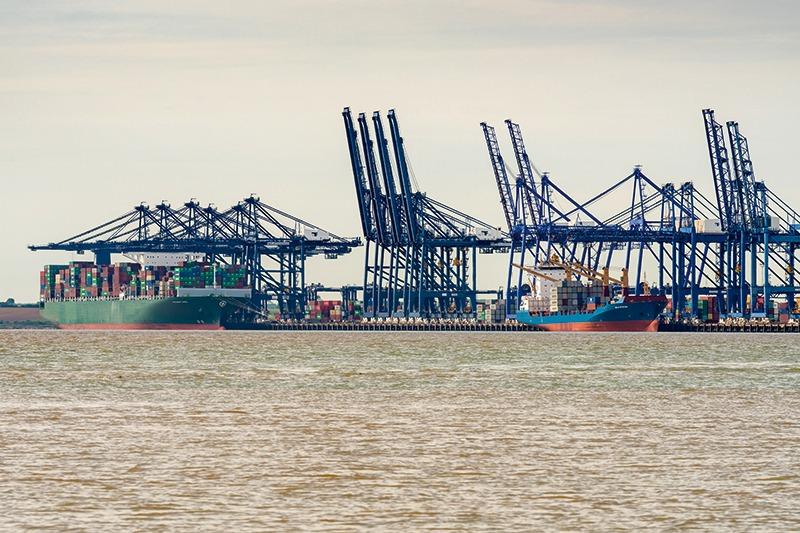 Waste export could be stuck at UK ports, image credit: Bernd Brueggemann/123RF