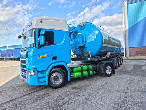 One of the biogas-powered trucks, image copyright Suiker Unie