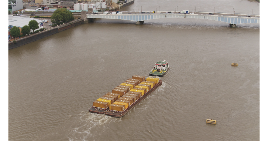 Barges take waste to Cory's EfW plant