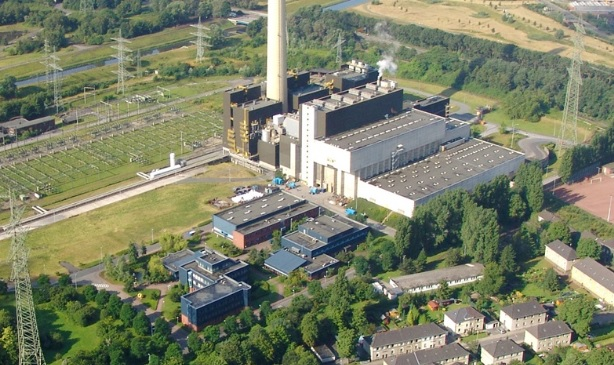 The EfW plant and nearby houses, image copyright RWE