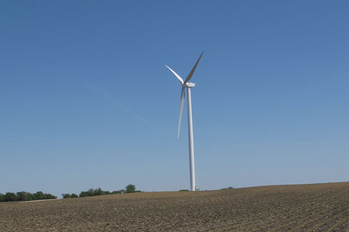 A Goldwind 2.5MW turbine at Shady Oaks, Illinois