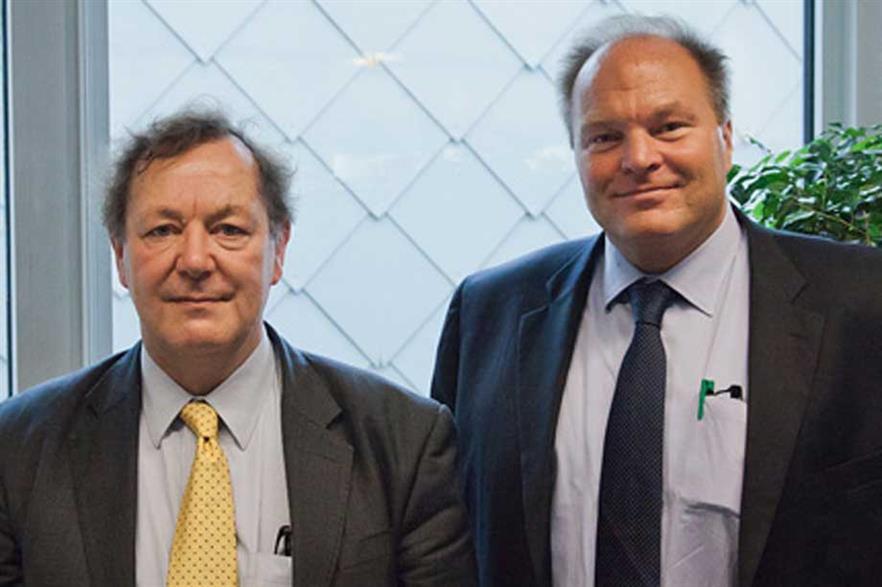 Andrew Garrad (left) with incoming EWEA chief executive Thomas Becker