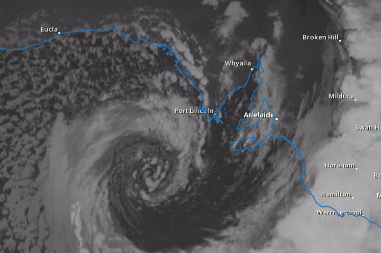 Radar image shows the storm approaching South Australia's coast on Wednesday evening (pic: Bureau of Meteorology, South Australia)