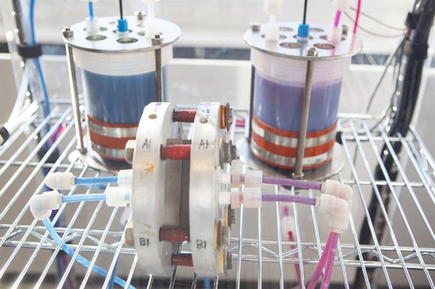 Chemicals in two tanks are pumped through the cell stack