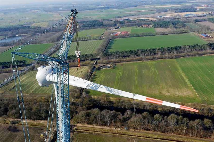 Single-blade installation… Enercon has developed its own, unique solution