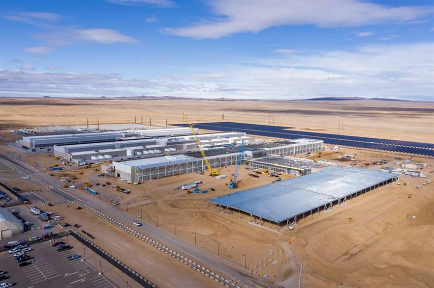The new power line will serve Facebook's Los Lunas data centre that opened in February (pic: Facebook)