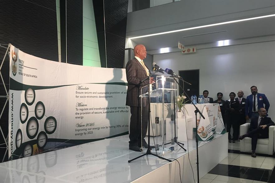 Energy minister Jeff Radebe announced the last of the 27 outstanding PPAs had been signed (pic: Minister of Energy / Twitter)