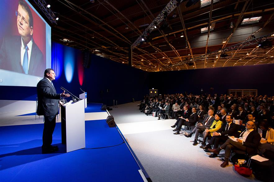Maros Sefcovic address the WindEurope conference in Paris in 2015