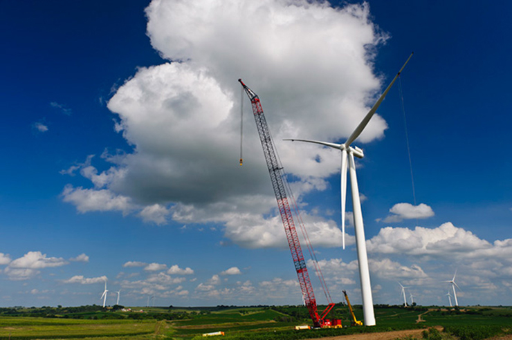 MidAmerican's 443.9MW Rolling Hills project in Iowa uses Siemens 2.3MW turbines (pic: Mortenson Construction)