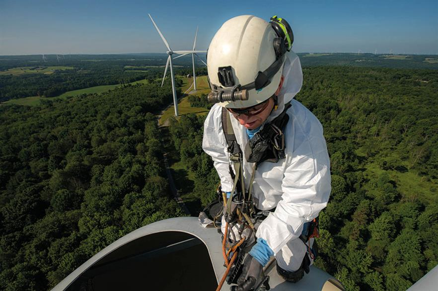 Technology such as drones and remote monitoring plays an increasing role in O&M, but some jobs still have to be carried out by technicians (pic: Rope Partner)