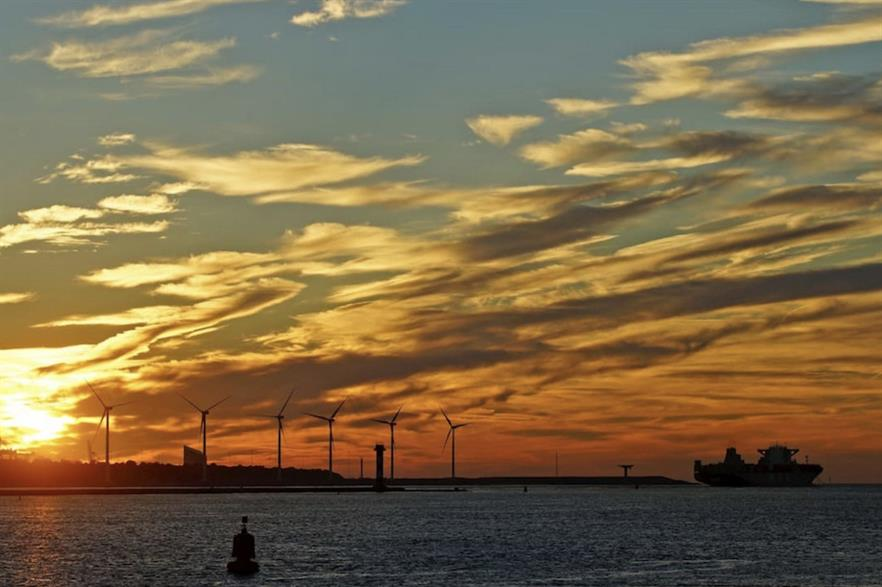 Shell and Eneco plan to build a 200MW hydrogen plant in the Port of Rotterdam, above (pic credit: Port of Rotterdam)