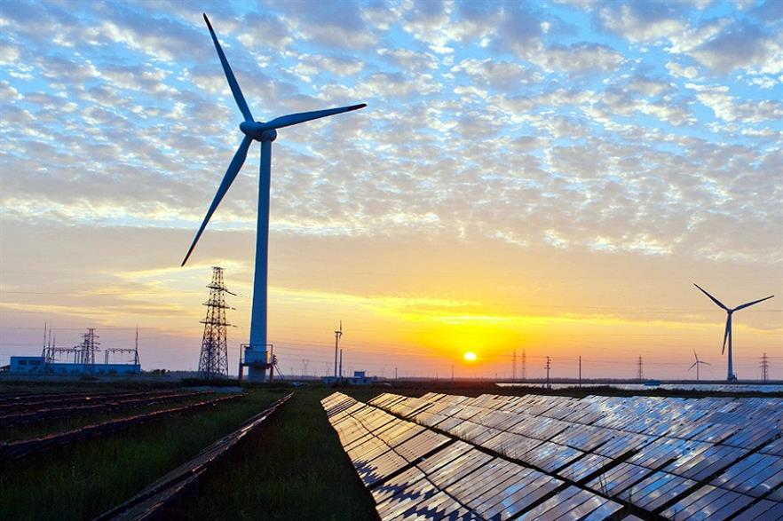 Renewables surpass fossil fuels in Europe for the first time ever (pic credit: Kenueone/Wikimedia Commons)