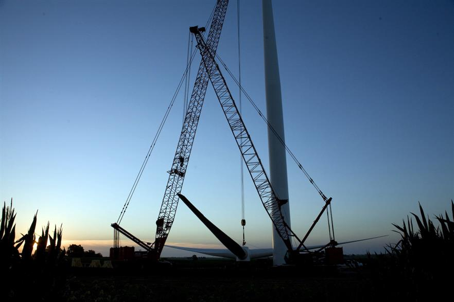 The cost of installing onshore wind projects in the US has fallen sharply, the DOE said (pic: Mortenson Construction)