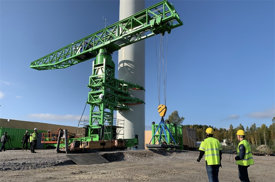 Segments can be added to the crane to enable heavy lifts on hub heights well above 200 metres, according to S&L Access Systems