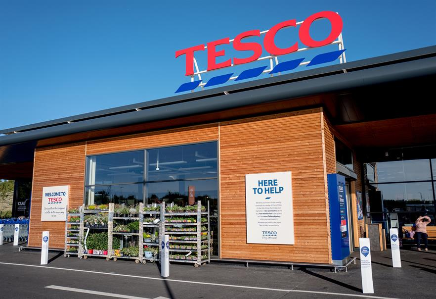 Tesco is aiming to power its stores and distribution centres from 2030 with renewable electricity (© i-Images Picture Agency)