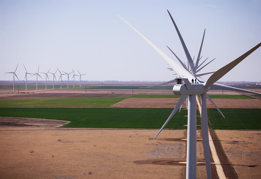 The V120-2.0/2.2 is the latest evolution in Vestas' 2 MW class. A V100-2.0 turbine is seen here at South Plains in Texas, United States