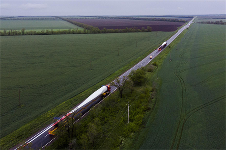 Blades being transported to Enel's 90MW Azov wind farm in Rostov, Russia