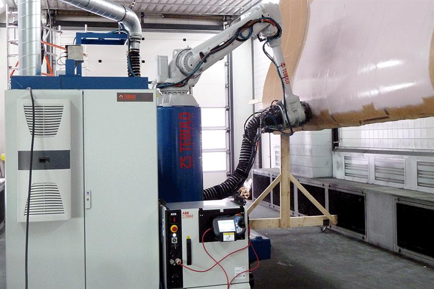 TebuloRobotics' scaled AMR vehicle during the blade coating demonstration