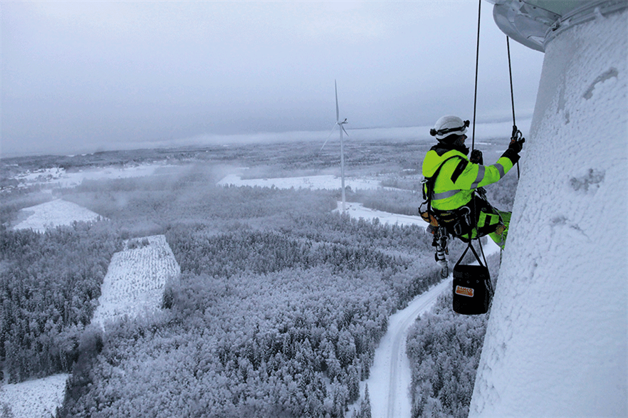 Wind power output ramps up in cold weather (pic credit: Rope Access Sverige)