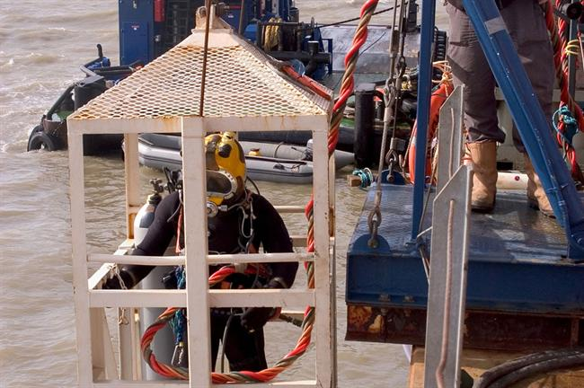 Risky job… Different safety standards apply to offshore wind in Germany than to gas and oil