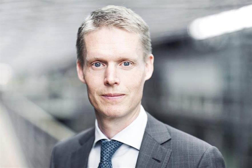 """""""Strategic focus on maintaining and developing Dong's global leadership position in offshore wind"""" ...Dong CEO Henrik Poulsen"""