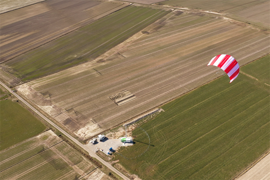 The airborne wind energy pilot unit in northern Germany (pic: SkySails)
