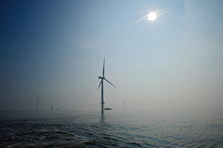 Turbines shut down at London Array during storms that hit England