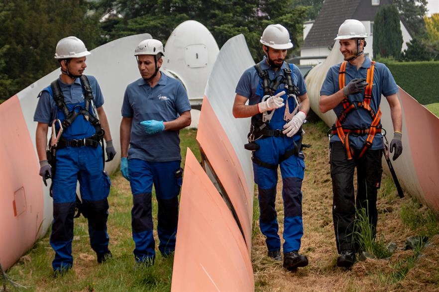 Four refugees from Syria and Iran are being trained at PSM