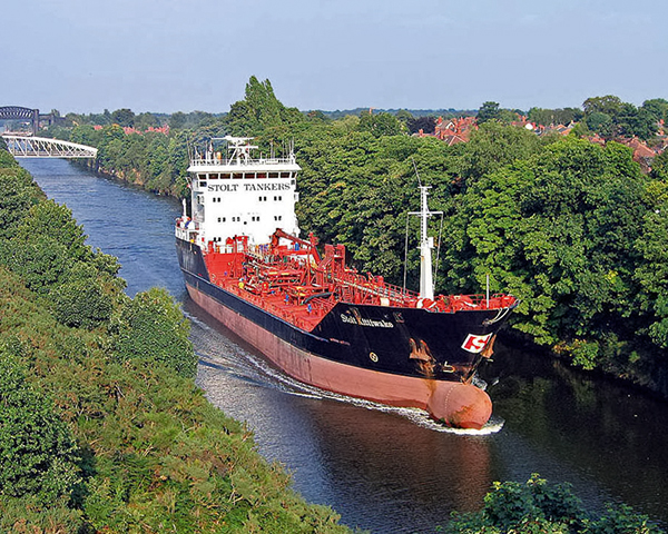 A tanker on the Manchester Ship Canal. Photo: John Eyres /Flickr