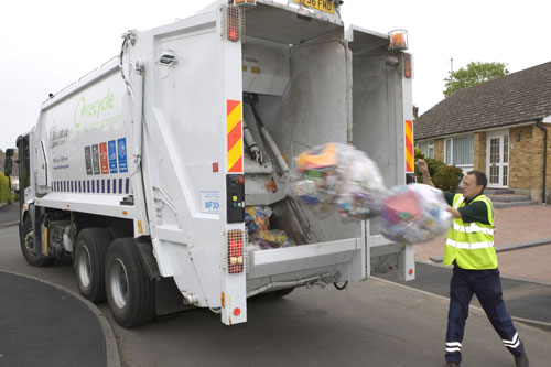 Recycling: study shows 26 of the top 30 English dry recycling local authorities use commingled collection (Image credit: Waste Watch)