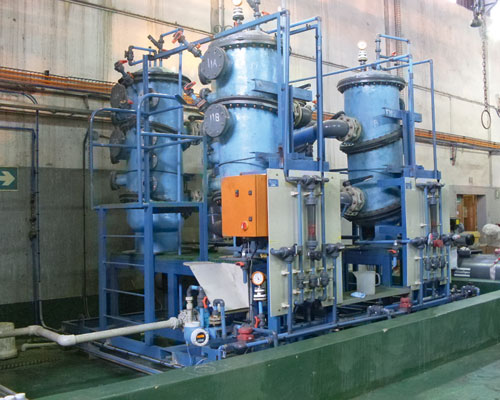A waste stream processing plant that recovers precious metals using modified silica beads