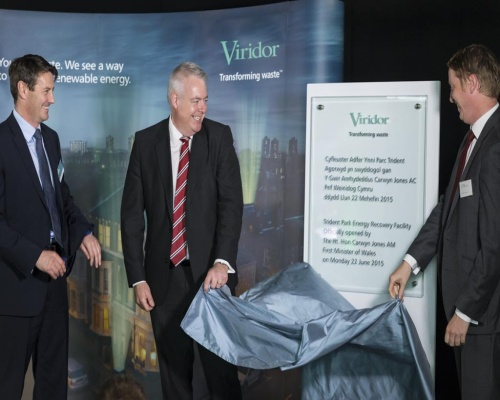 First minister Carwyn Jones (centre) officially opens the Cardiff plant. Picture: Viridor
