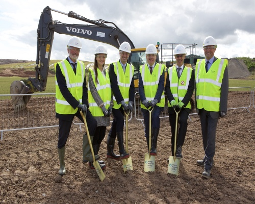 Politician Richard Lochhead, fourth from left, joins the ERF project team. Picture: Viridor